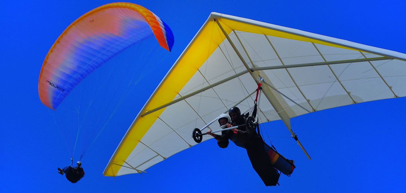 Tandem hang gliding flight